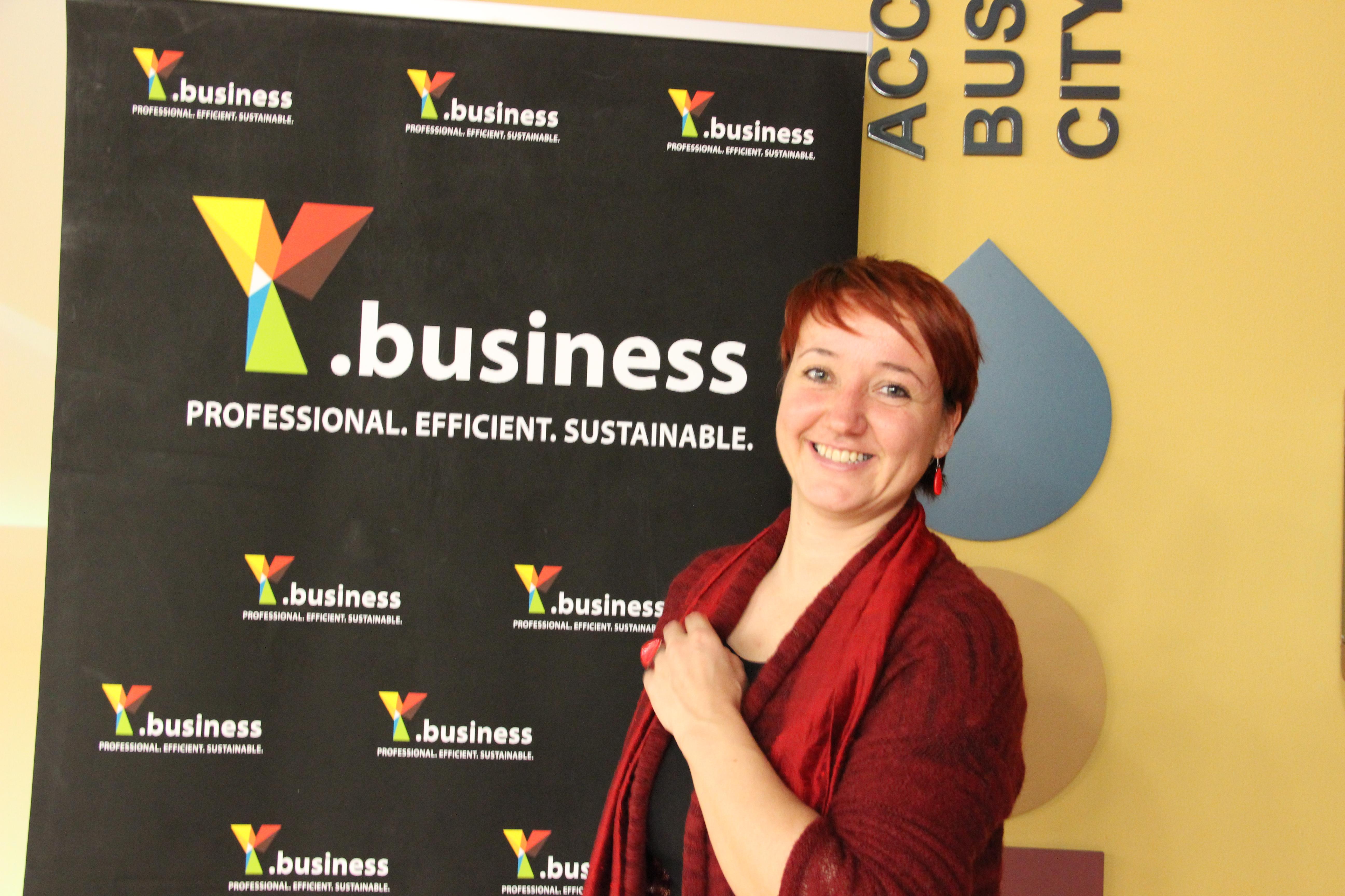 Slika 5: Sabina Žakelj Pediček, direktorica inštituta EuroCoop za evropske raziskave in razvoj nas je poučila orazpisih in kako se prijavljati nanje.